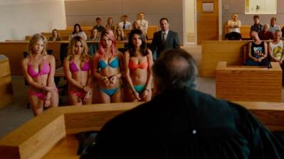 20130130_springbreakers_trailer